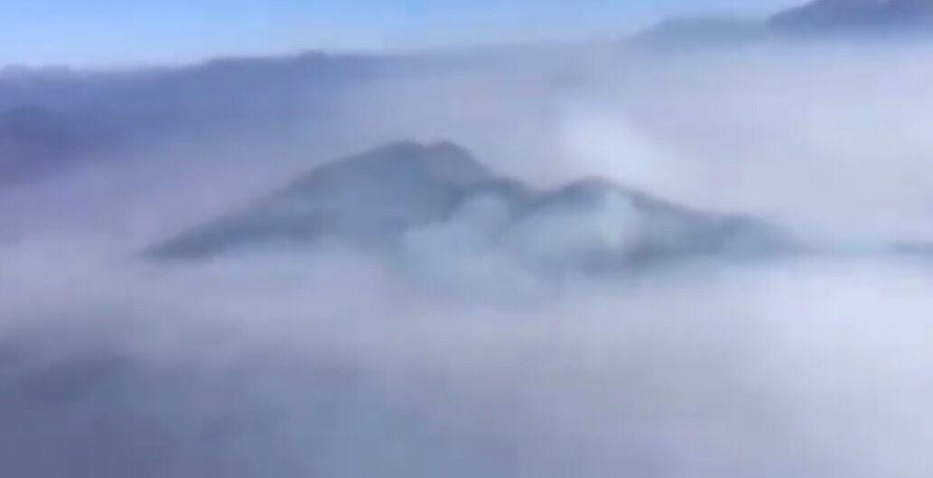 凉山火场航拍。来源:四川广播电视台