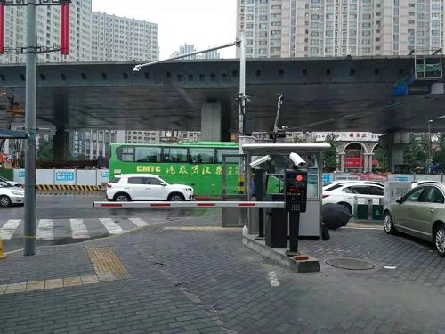 咸宁路停车场收费管理系统安装到位