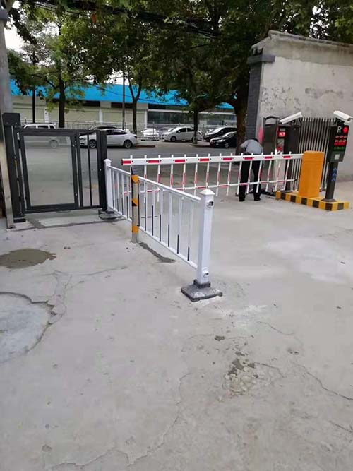 渭南市临渭区解放路车牌识别道闸安装调试完毕