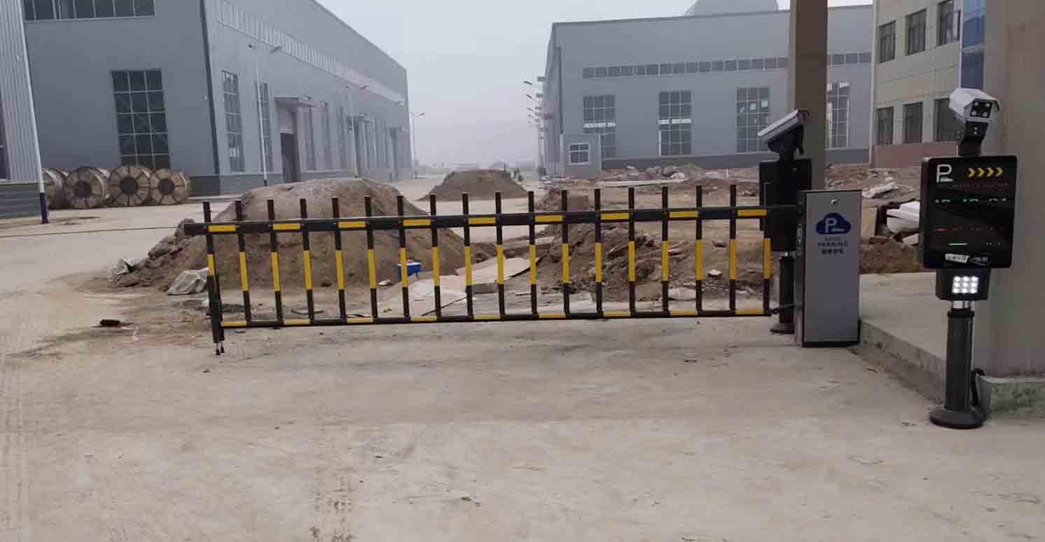 西安蓝天家具工业园车牌识别安装完成