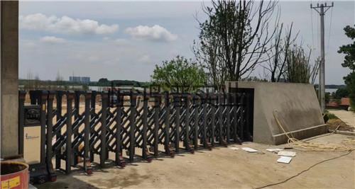 西安市长安区某养殖场电动伸缩门安装完成