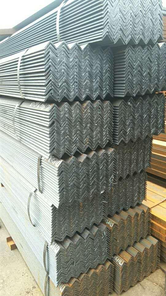 中小钢贸商生存土壤是否还在?成都角钢小编跟大家讲讲