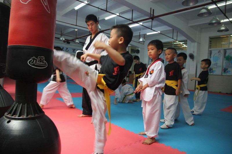 跆拳道练习中