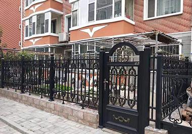 门道门业与滨江花园合作案例