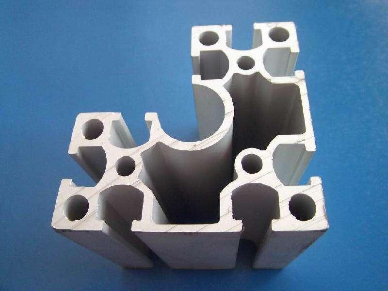在平时挤压外壳类铝型材是需要注意哪些事项