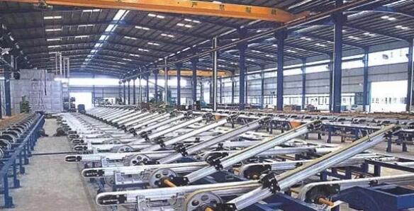 工业铝型材挤压