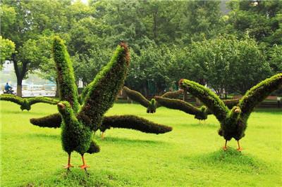 城市绿色雕塑