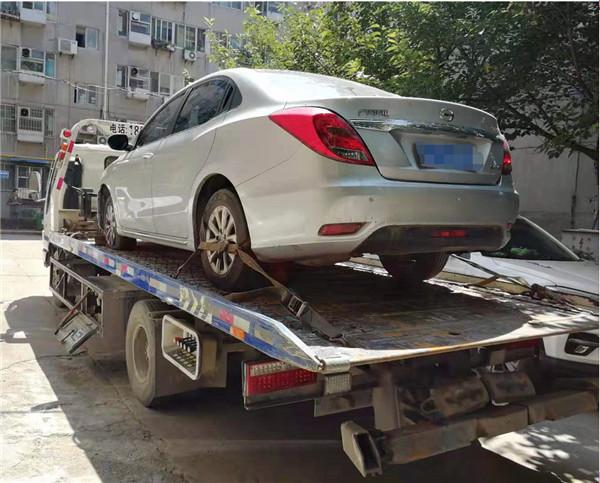 事故拖车救援案例