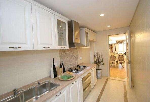 长方形厨房装饰图