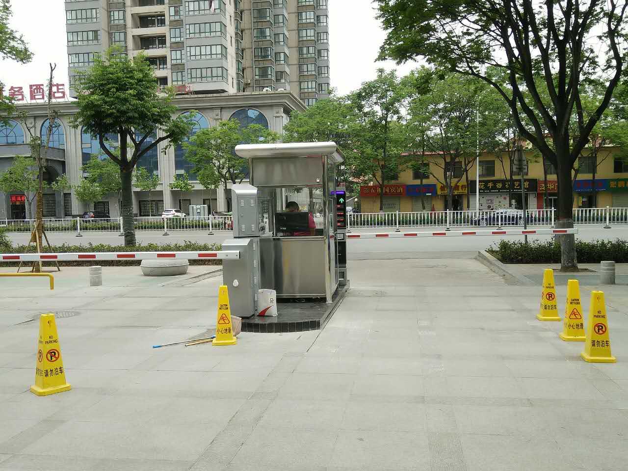 宝鸡电信大厦停车场管理系统安装案例