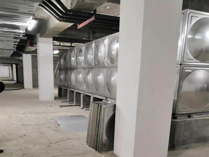 陜西鍍鋅鋼板水箱安裝案例