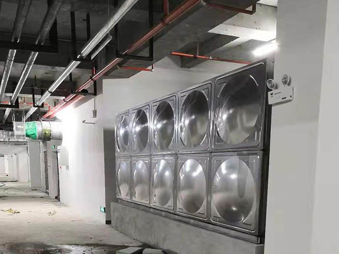 宝鸡轩苑集团项目不锈钢水箱安装案例