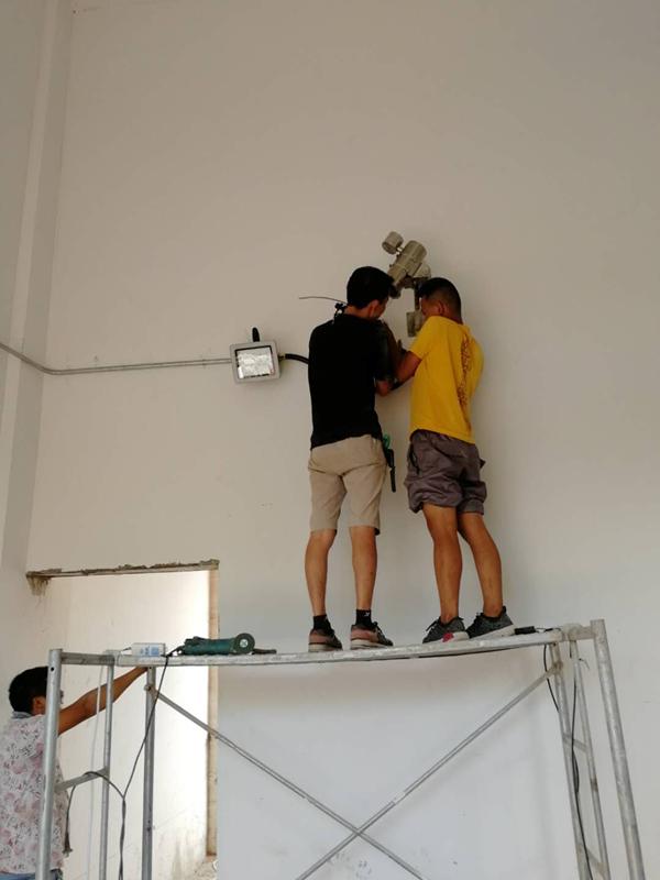 周一要闻!!!西昌邛海南岸核桃村弱电项目进行式......