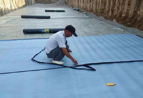 自粘防水卷材的施工准备