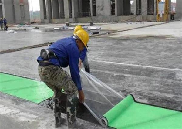 临河防水卷材施工团队摄影图
