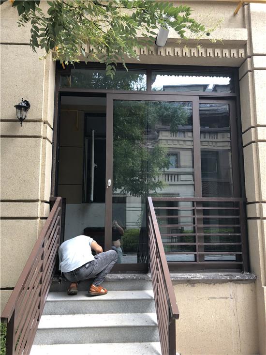 126陕西重型门-临潼花语城