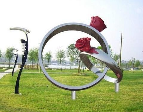 为什么一定是不锈钢雕塑?