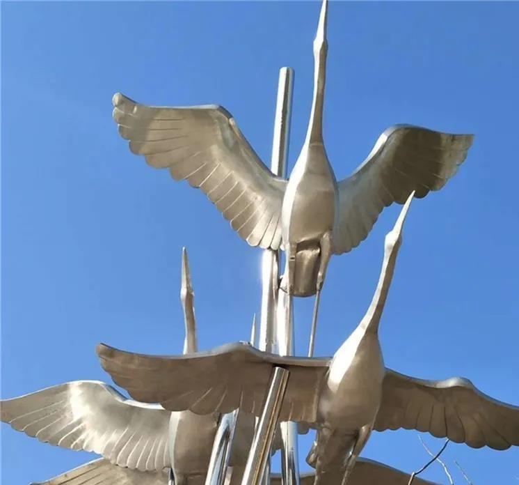 你知道不銹鋼雕塑的優點及制作工藝流程嗎?
