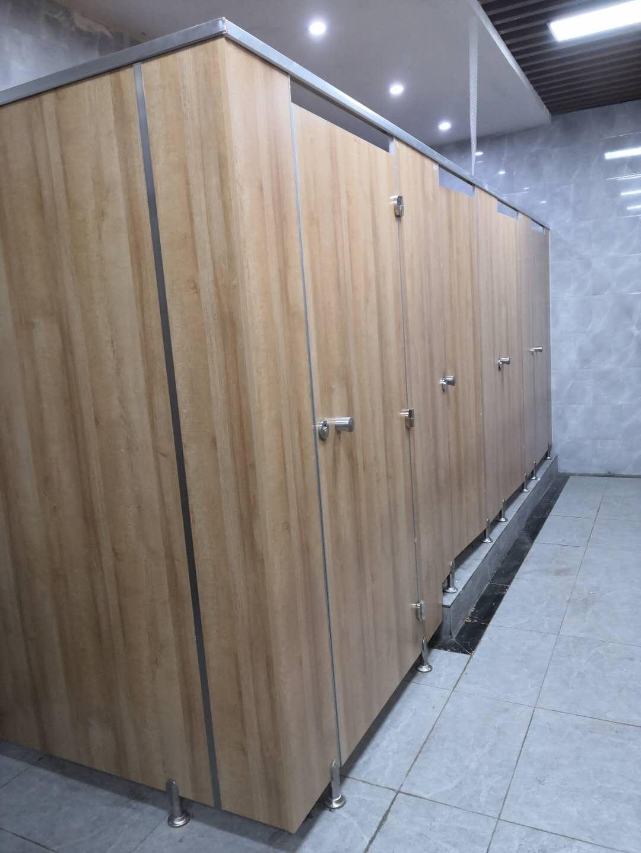 成都厕所隔断安装