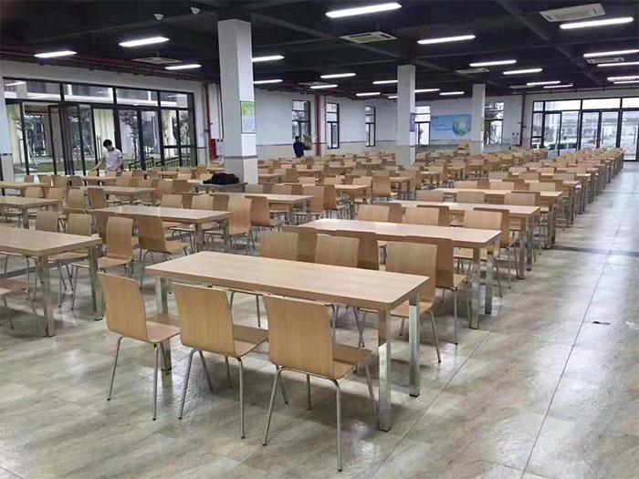 快餐桌椅定制施工案例