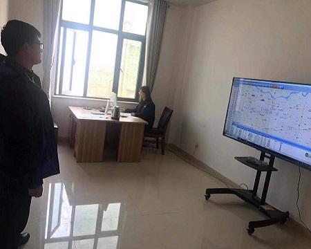 总公司生产计划部来检查GPS监控系统-1