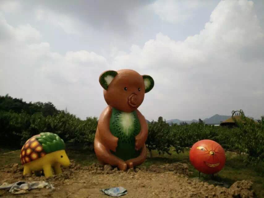 四川水泥雕塑是小区园林布景的极佳选择