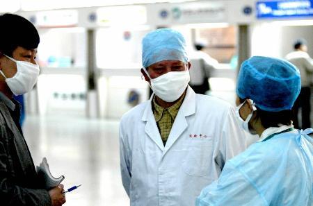 新冠疫情这个战争还没有结束,哥伦比亚新冠病例数超40万,10天增10万