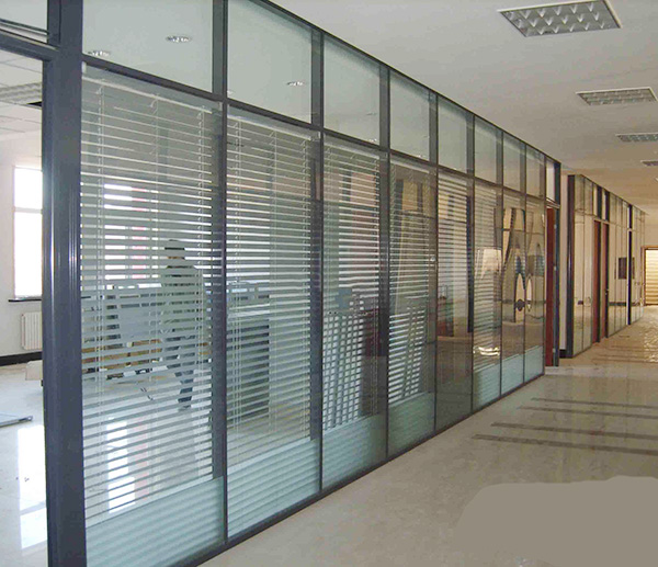 玻璃隔断----隔断出自己的空间