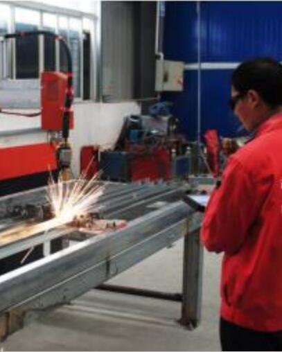 护栏生产设备展示