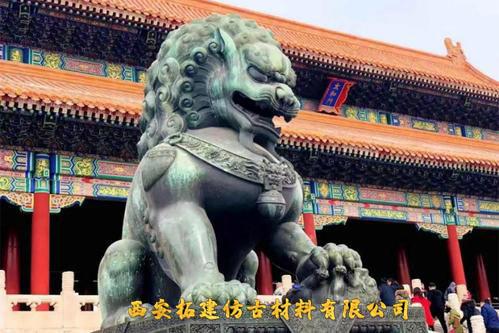 故宫威严的石狮子