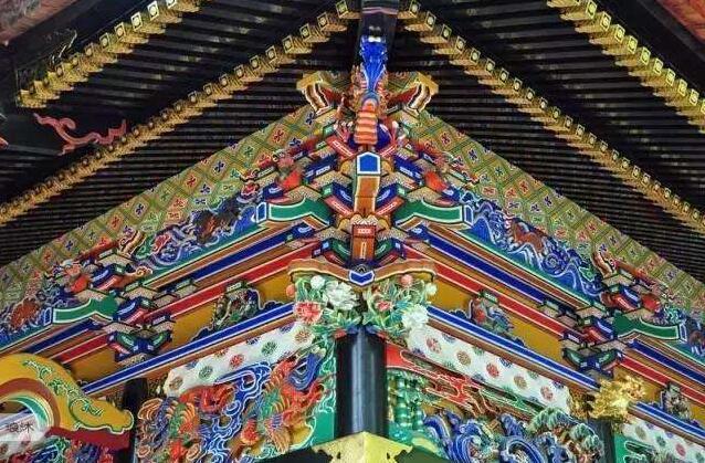 他为中国古建披上彩色铜装