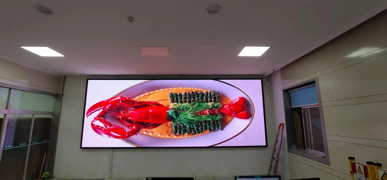 户外LED显示屏如何应对极低温环境挑战