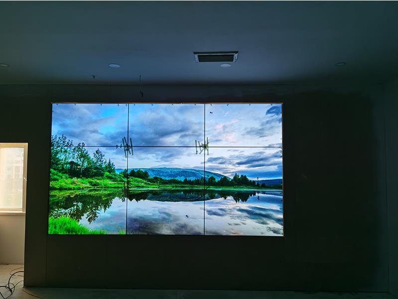 LED显示屏一般多少钱一平?适合会议大屏幕吗