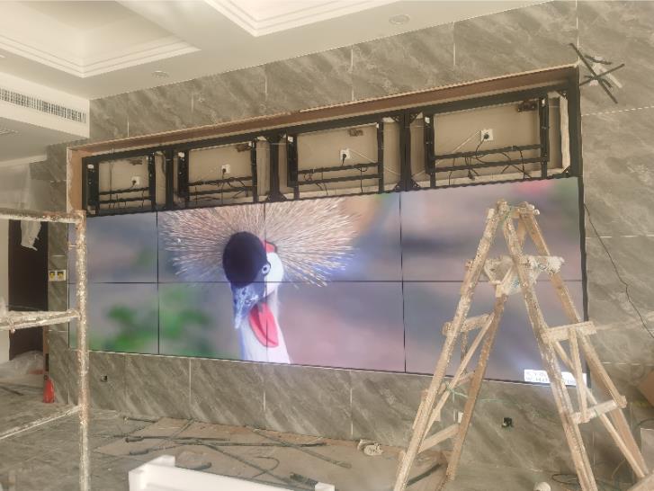 粗略计算LCD液晶拼接大屏幕寿命