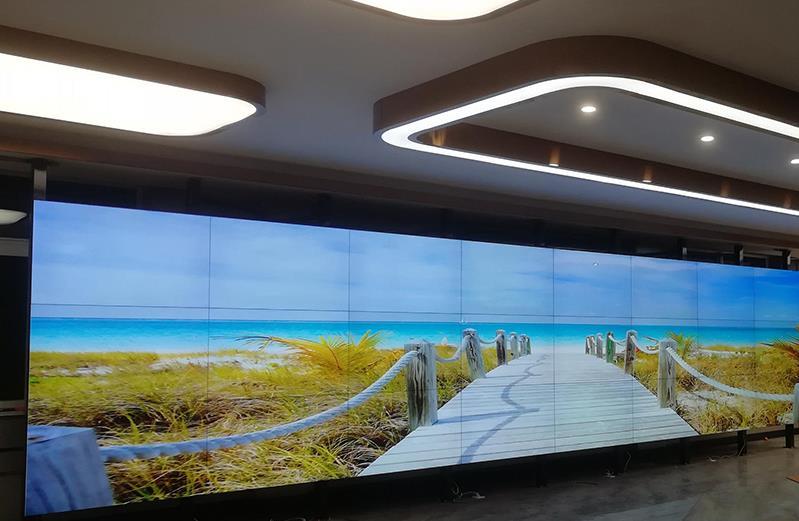 LCD拼接屏面板需要移动时的处理方式