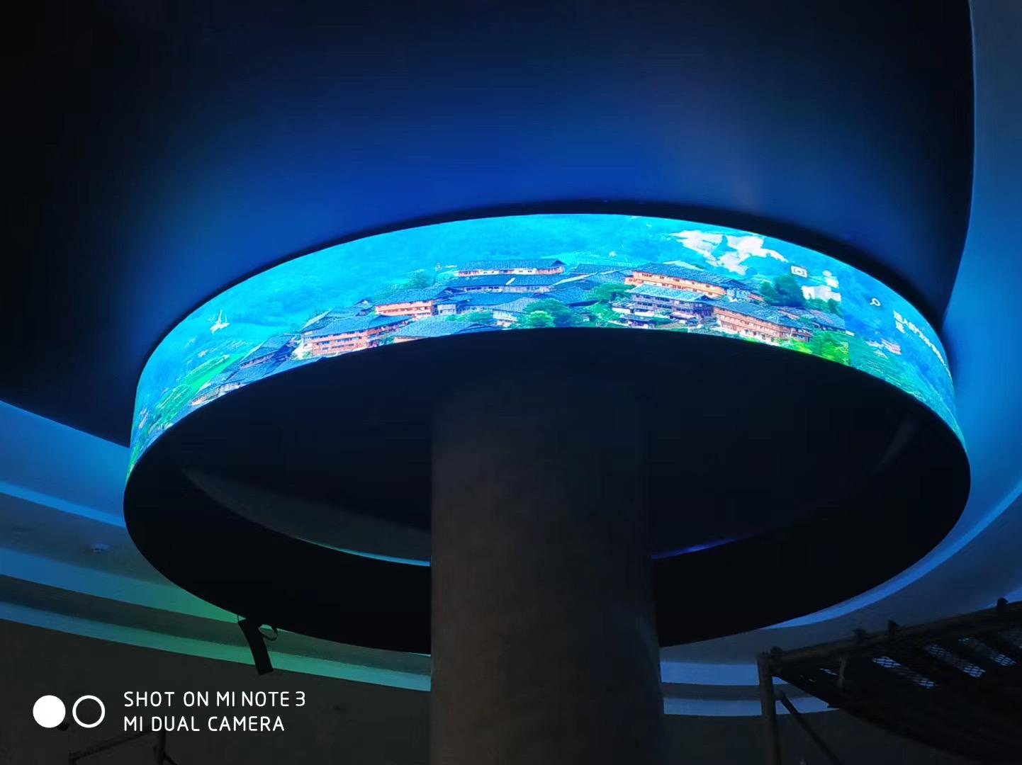 P2.5软模圆环LED显示屏案例效果