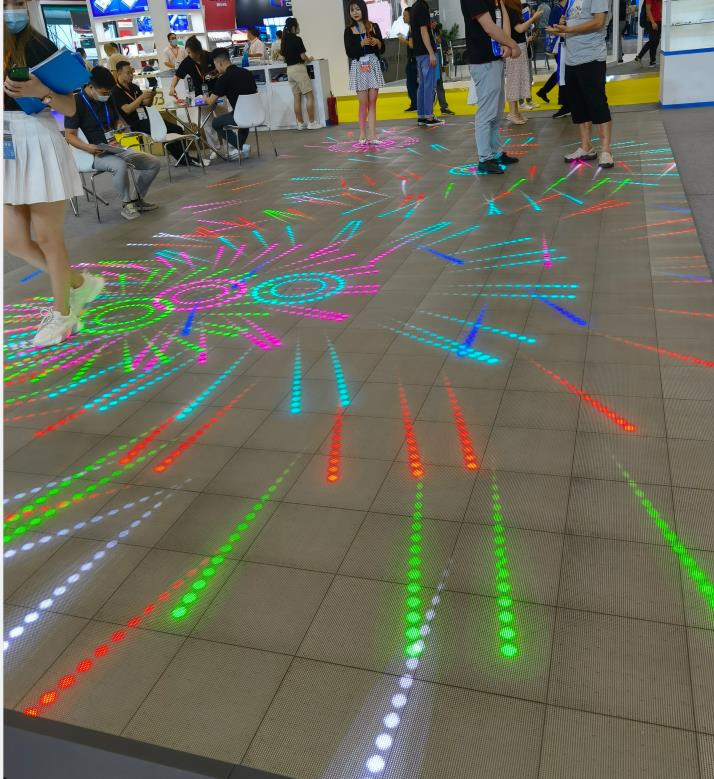 如何延长室内LED全彩屏使用寿命