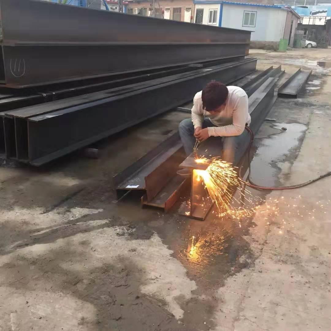 富興鋼結構廠房環境