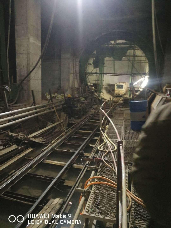 6010拖泵在水电七局成都地铁18号线细石泵送现场
