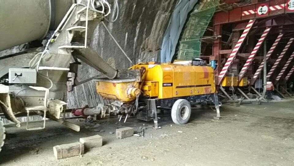 混泥土输送泵租赁_工程施工案例