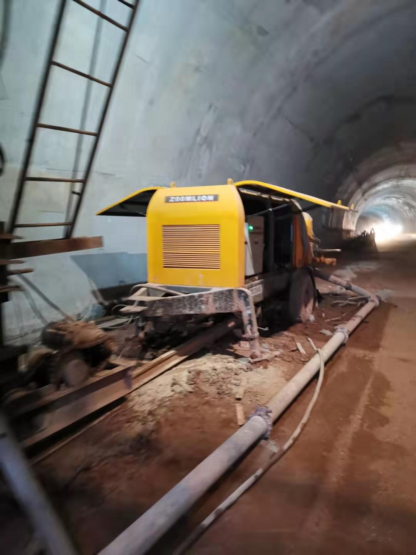 6013拖泵在沐川江西路桥峰门山隧道施工现场