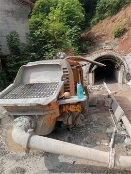 中联6013拖泵在水电十局简阳毗河引水工程施工现场