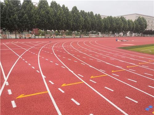 洛陽一高省長杯專用場地11000方全塑型塑膠跑道完工