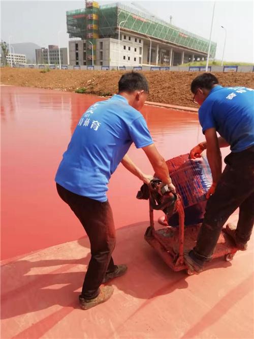 江蘇大學400米標場全塑型塑膠跑道足球場完工