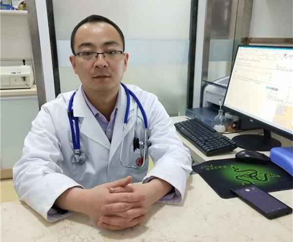 博爱万宠连锁动物医院技术院长王峰
