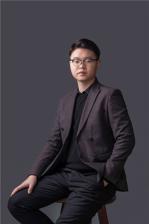 家装副总经理——丁岳涛