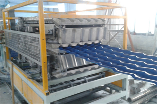 专业树脂瓦生产车间建造完毕!
