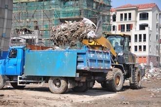 在渣土运输过程中如何降低大气污染,保持城市建筑垃圾清洁无害化处理措施!