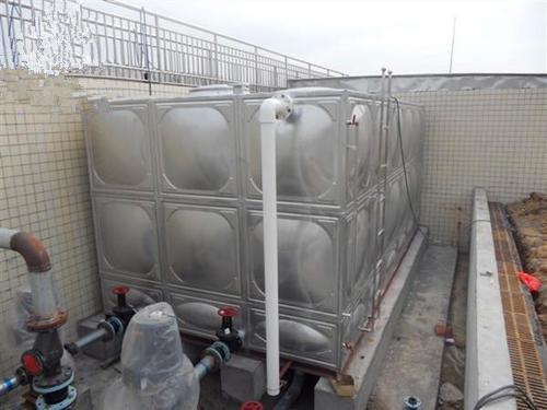 新疆哈密市24吨不锈钢水箱
