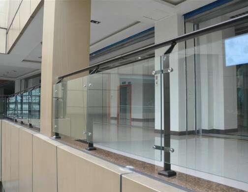 襄阳玻璃护栏生厂厂家